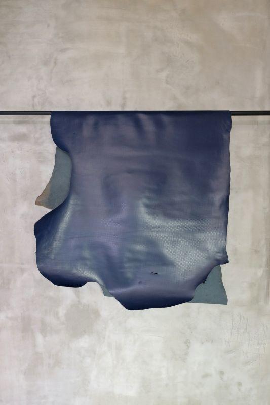 画像1: 牛 型押し(タイヤ) ネイビー (1)